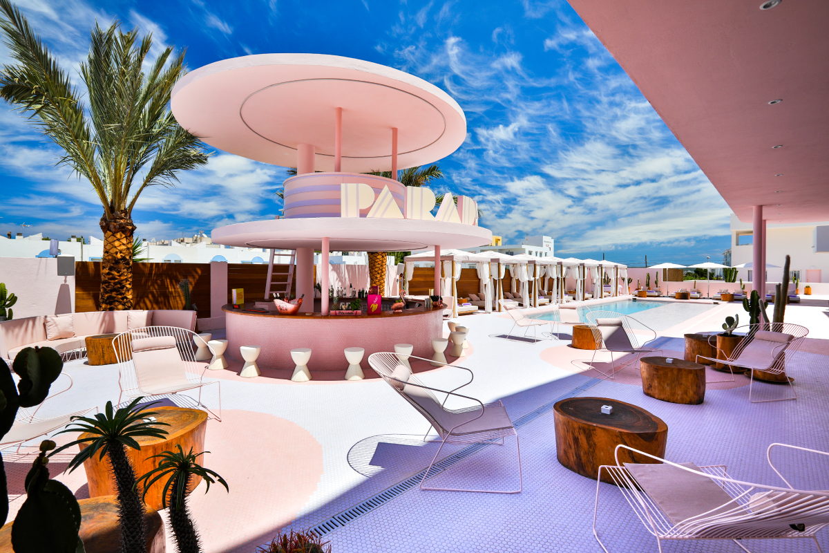 An all-afternoon poolside classic disco and funk set from DJ and presenter Jason Regan at the beautiful Paradiso Ibiza Arthotel